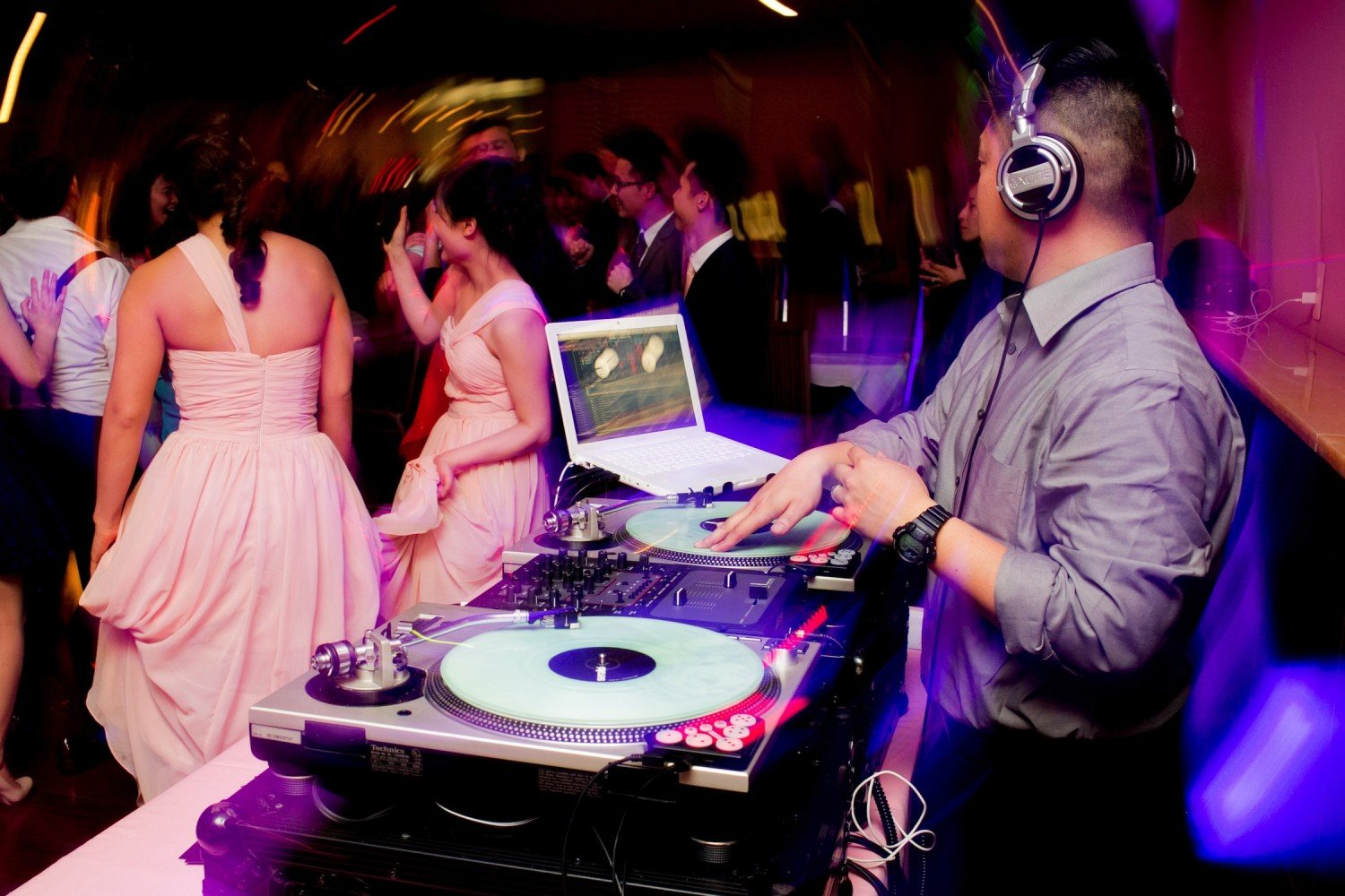 Raleigh durham wedding dj services vox dj company for 1234 lets on the dance floor
